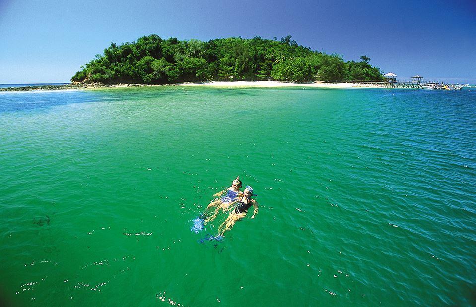 SNORKELING-Sabah_Tourism-David-Kirkland-PIC_30-1500