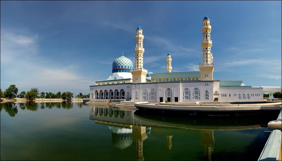 3Kota_Kinabalu_city_Mosque