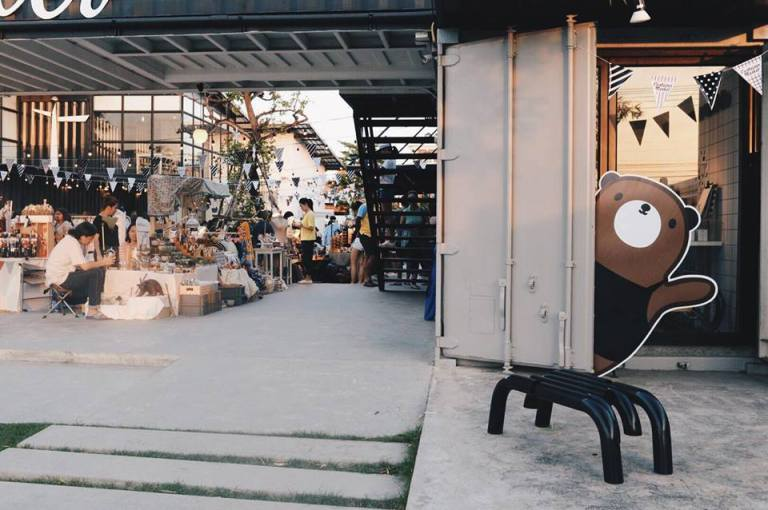 Container Market, The Bloc BKK Picture: themed cafe in bangkok blog.