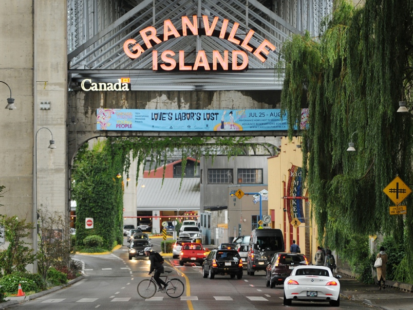 granville-island-market Foto by: vancouver city guide blog.