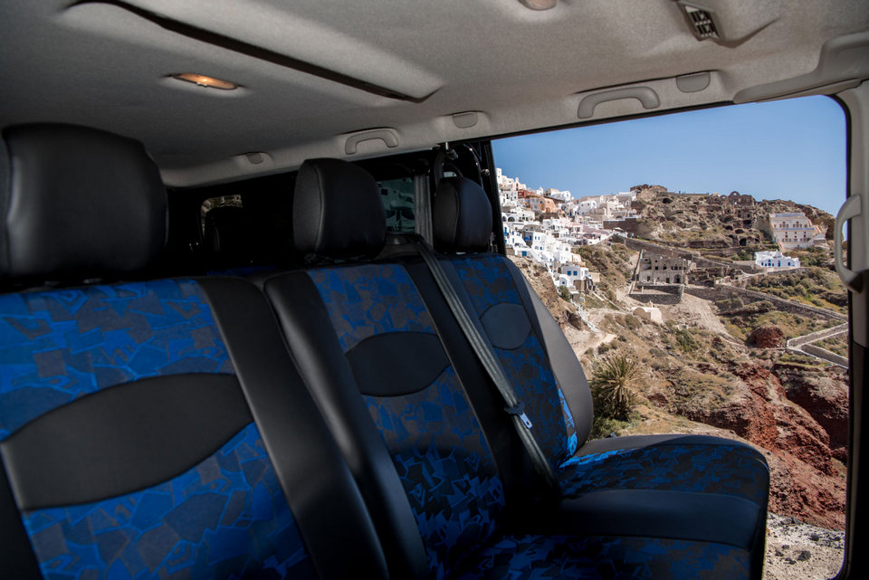 minivan-private-transfers-tours-santorini