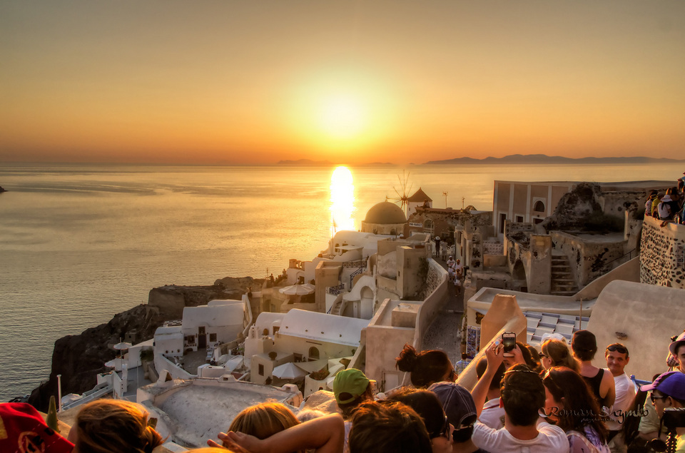 Oia village – the village has the most beautiful view of the sunset
