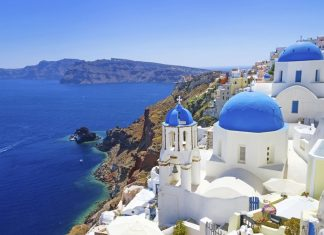 Credit: santorini travel blog.