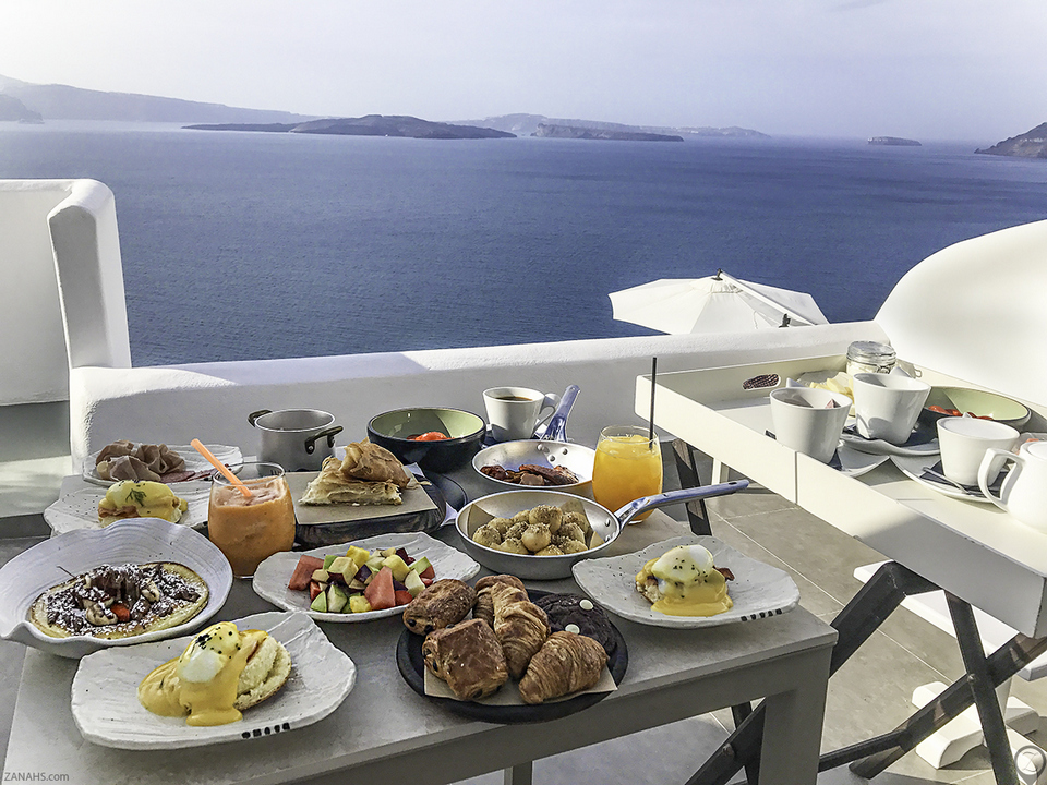 Santorini-Secret-Suites-Breakfast-In-Room