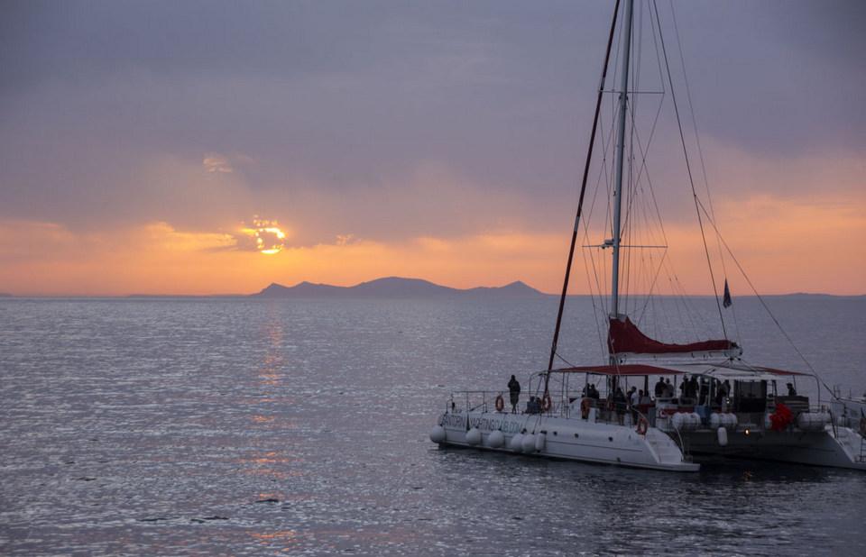 Santorini Sunset Cruise 3