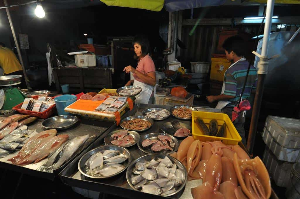21At Sri Petaling, Pasar Malam is available on every Tuesday, regardless of the weather.