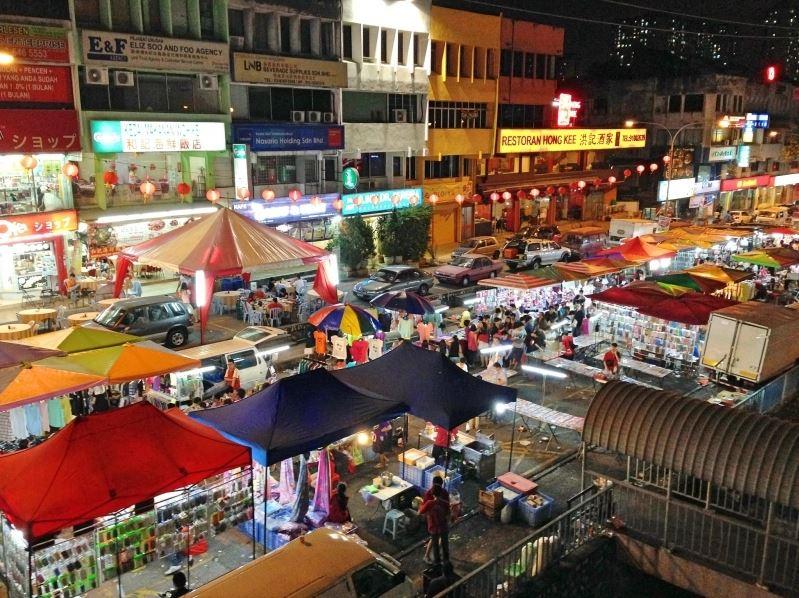 3Taman Connaught Night Market Credit: kuala lumpur must eat food blog.