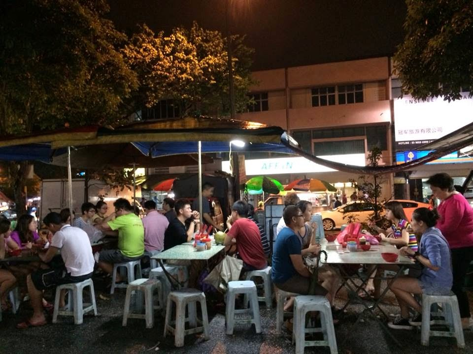 At Sri Petaling, Pasar Malam is available on every Tuesday, regardless of the weather.