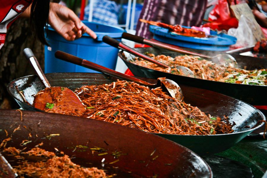 Delicious-Mee-Goreng-at-'Pasar-Malam'-Night-