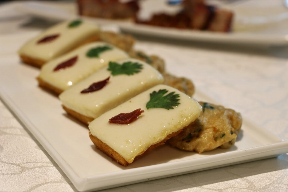 Crispy minced carp cake & crispy bread topped with milk custard, Tsui Hang Village, Hong Kong