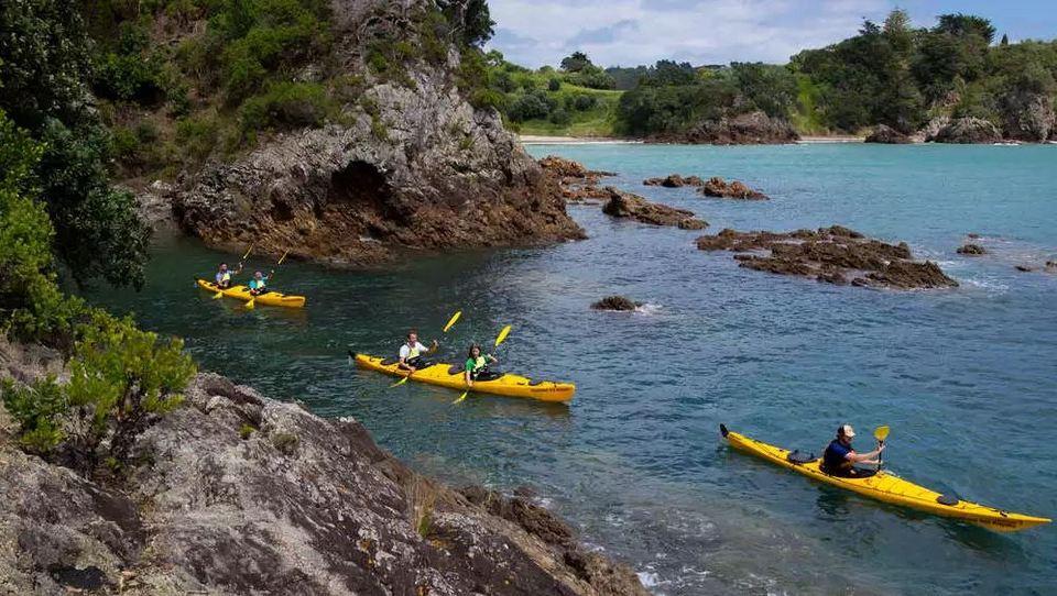 kayaking on Waiheke Island auckland