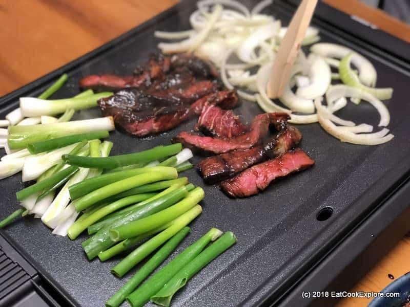 bulgogi korean beef bbq, food to eat in korea, food you must eat in south korea, korean must eat food (7)