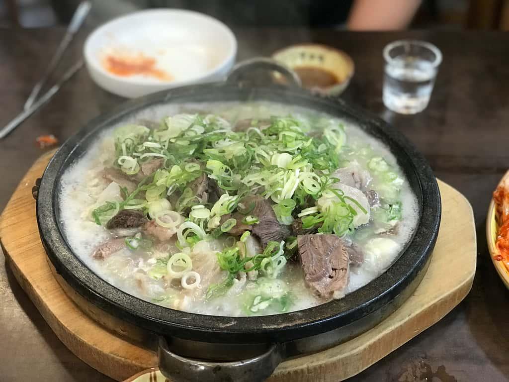 Seolleongtang (Beef Bone Soup)