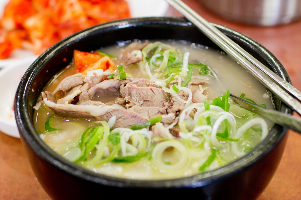 Seolleongtang beef bones soup korea