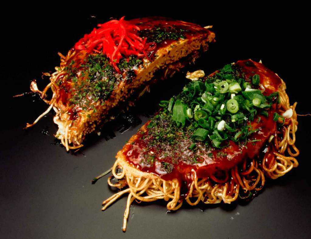 okonomiyaki japanese savory pancake food to eat in japan, japan must eat, japan must try food, must eat food in japan (1)