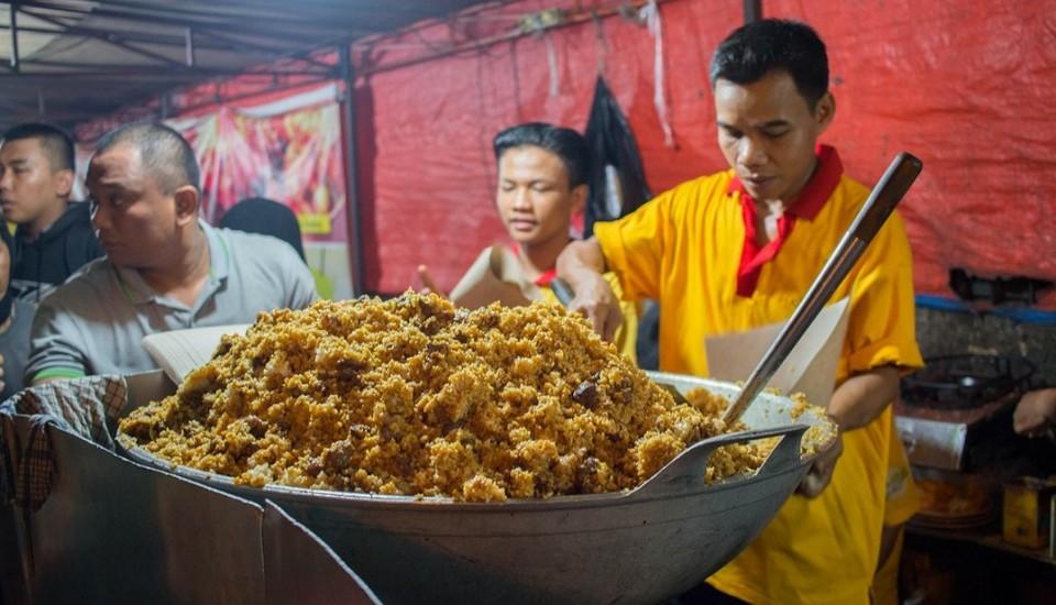 Jakarta-street-food-1024x587