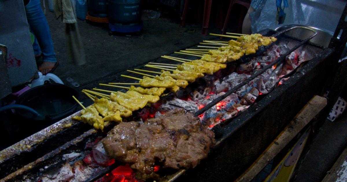 Saphan Lueng street food