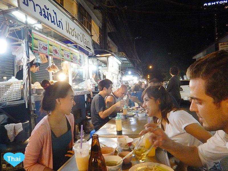 Sukhumvit Soi 38 best street food in bangkok (1)