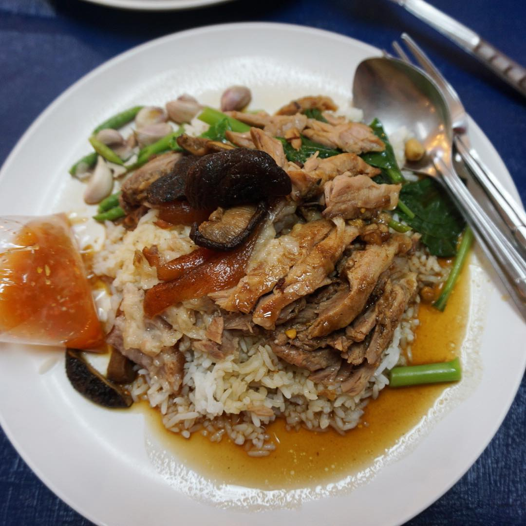 best street food in bangkok, bangkok street food guide Sukhumvit Soi 38 (1)