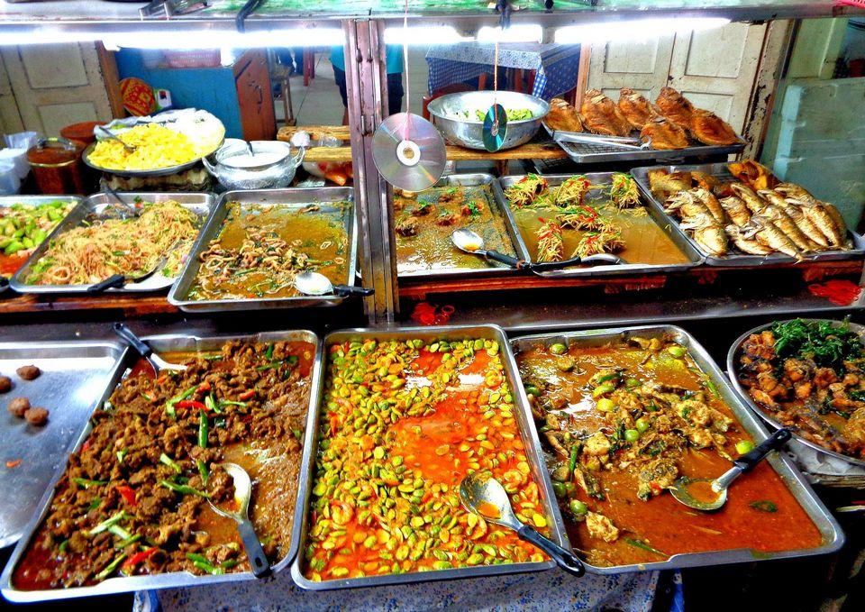 Curry rice at Khao Gaeng Rattana