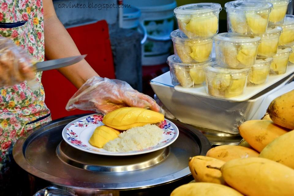 mango sticky rice Sukhumvit Soi 38 Food Street sticky rice