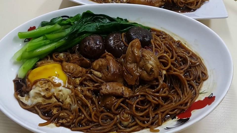thai-street-food-snacks-1-X3