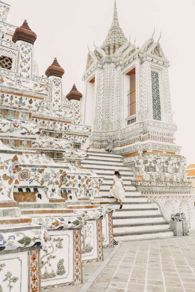Wat Arun Temple with unique architecture, beautiful in every view.