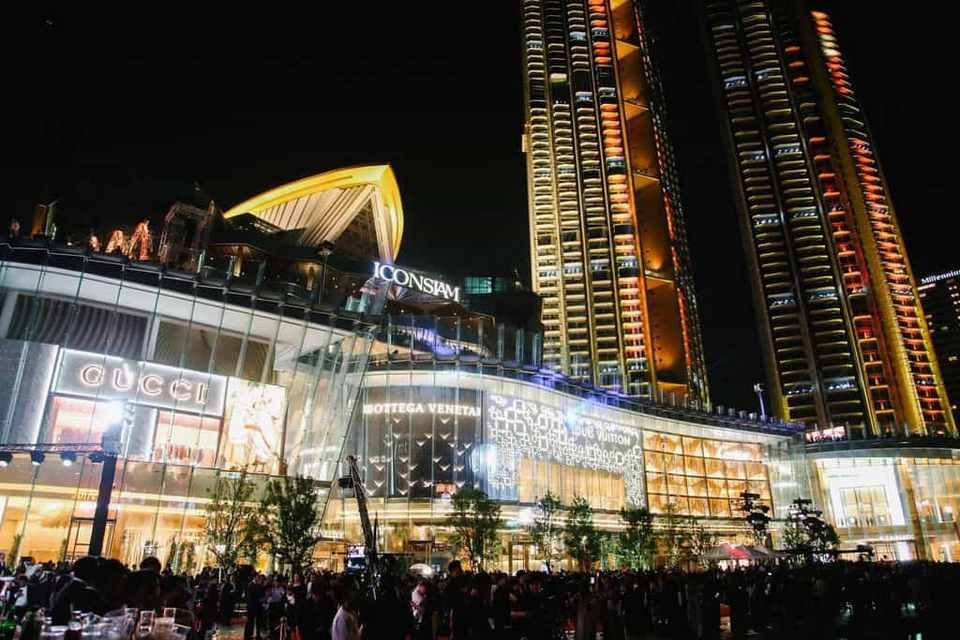 iconsiam bangkok thailand shopping mall and center (1)