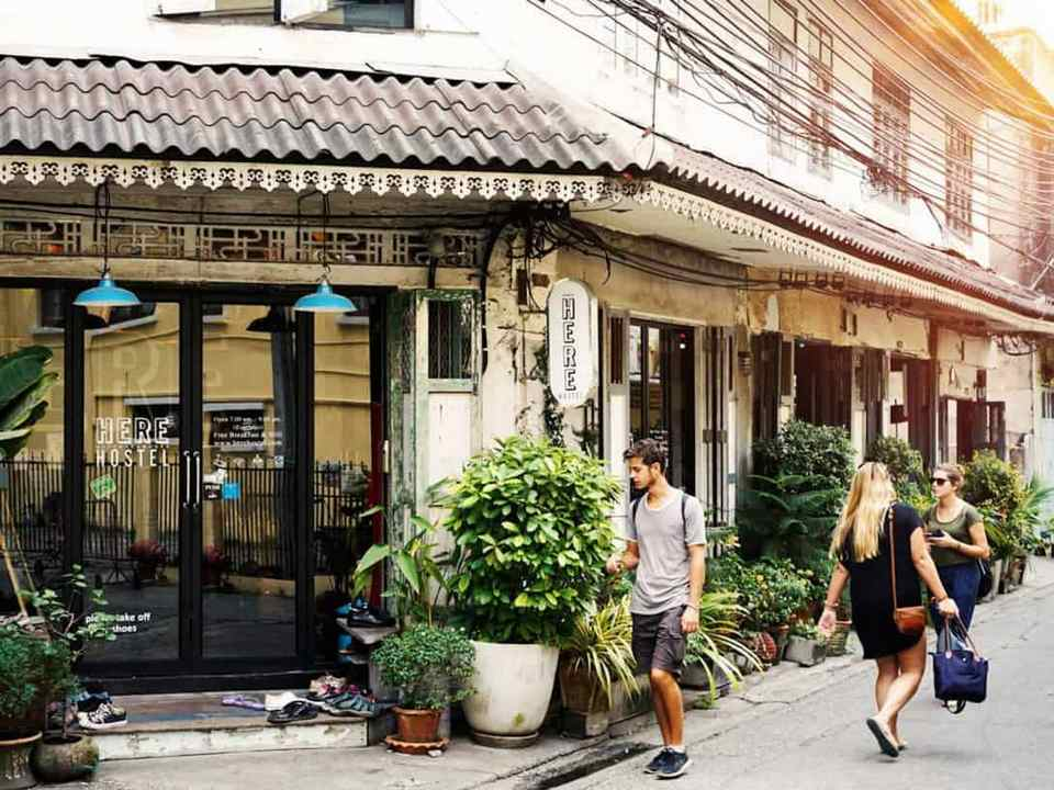 cheap hostels in bangkok, coolest hostels in bangkok,