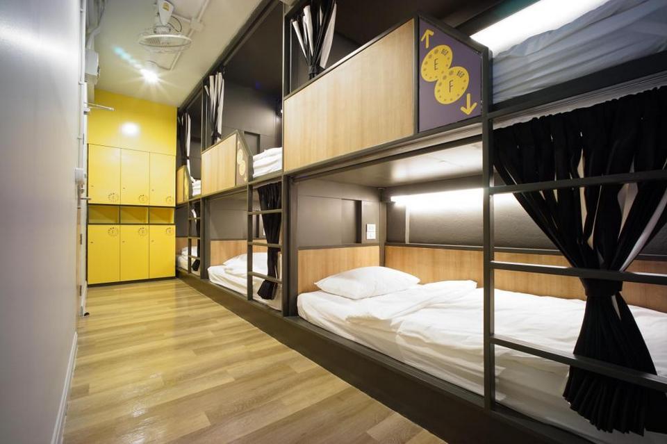 BRB Hostel Bangkok Silom thailand best hostel (1)