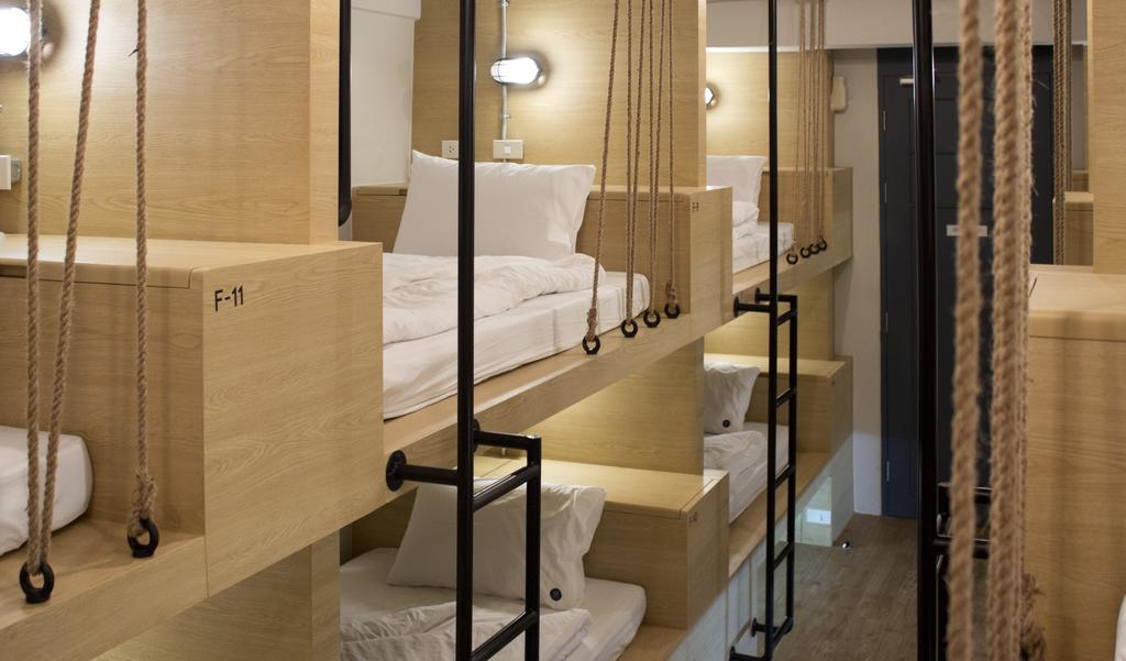 best hostels in sukhumvit bangkok, luz hostel bangkok thailand (1)