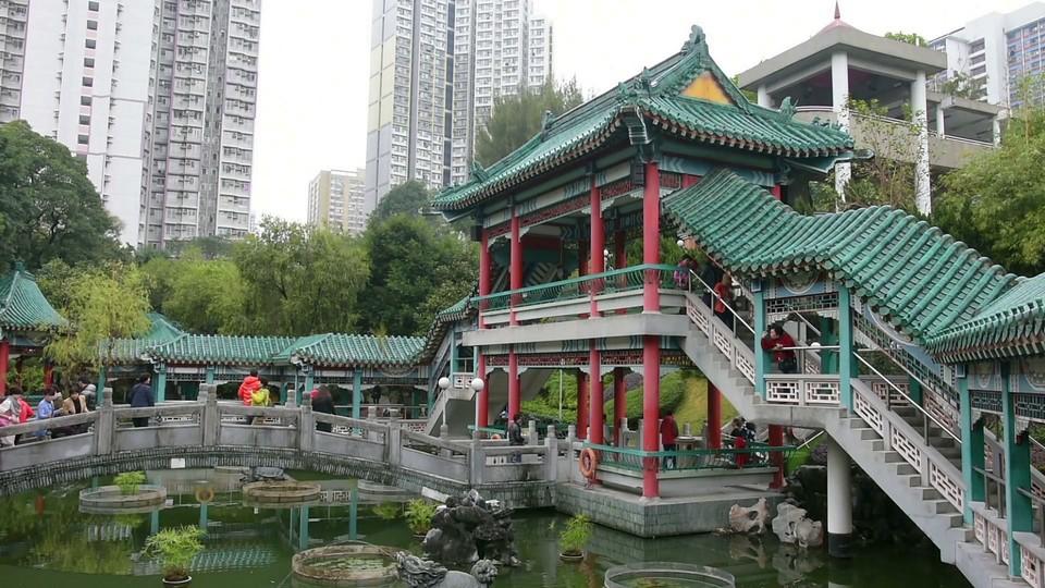 the-garden-in-sik-sik-yuen-wong-tai-sin-temple-in-hong-kong_bsm1-svwue_thumbnail-full01