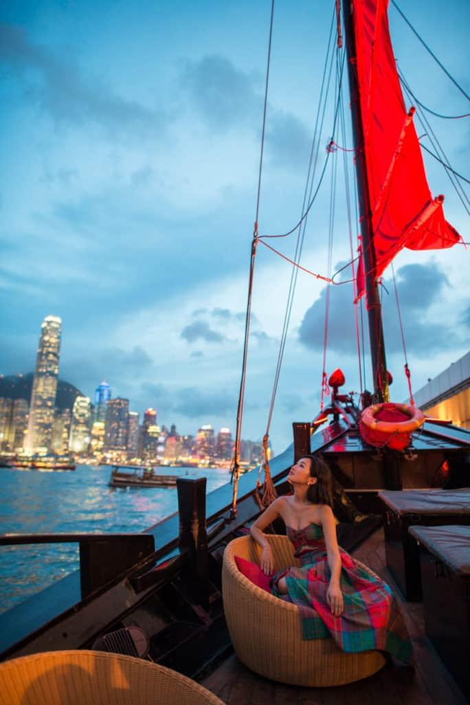 1auqualuna boat hong kong