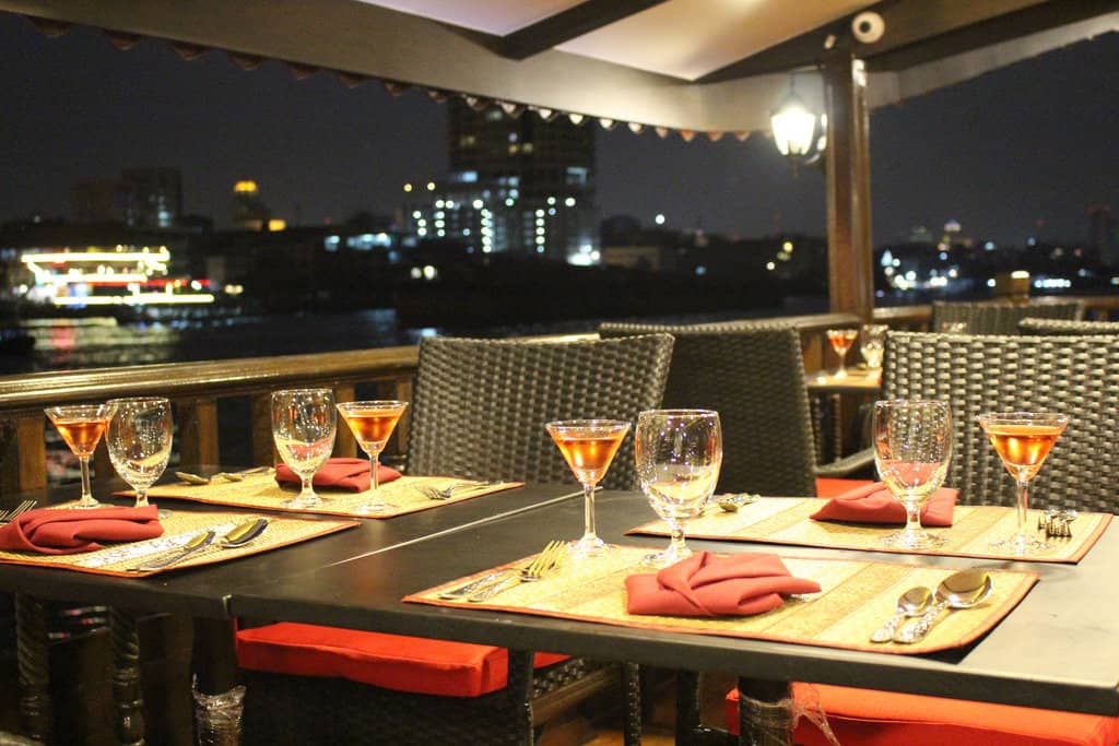 dining on a cruise chao phraya river