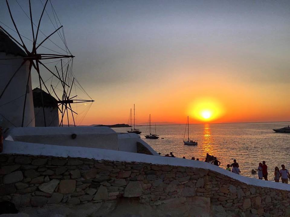 mykonos winmillds kato mili greece