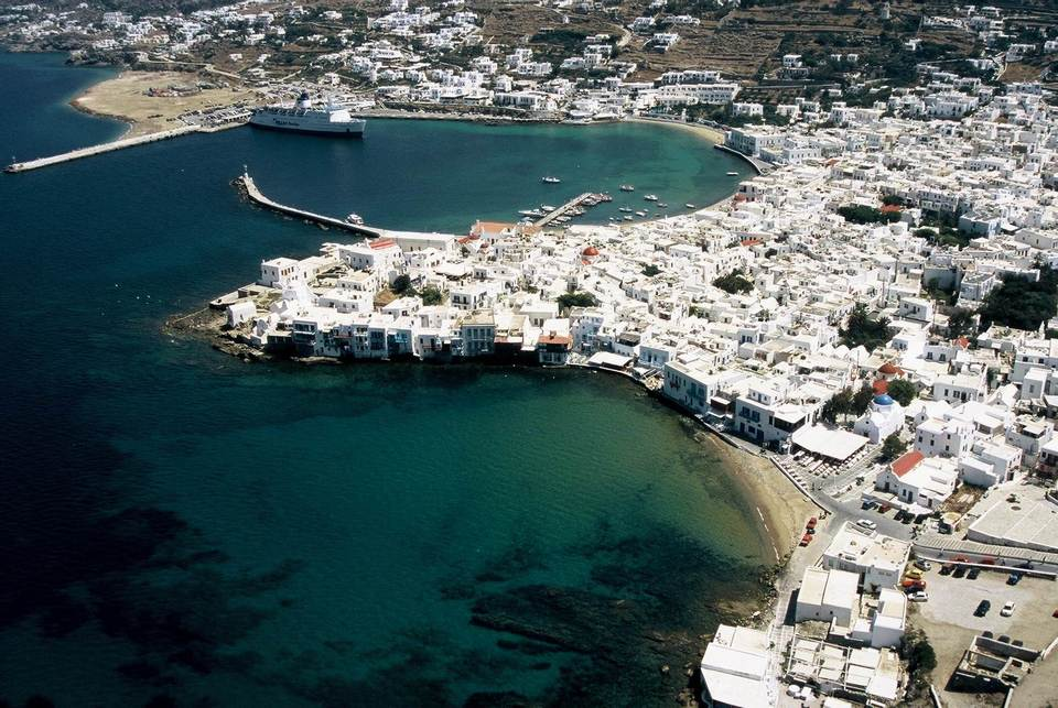chora town mykonos greece
