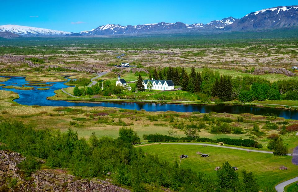 2.-House-and-mountains-in-Thingvellir-National-Park-source-shutterstock_327207425