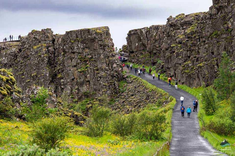 Thingvellir-national-park-2