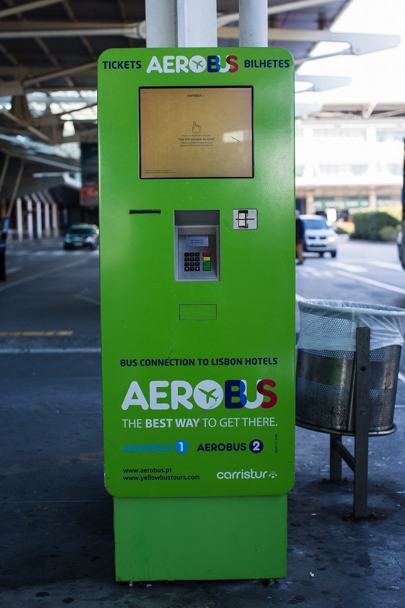 Lisbon airport Aerobus automated ticket machine