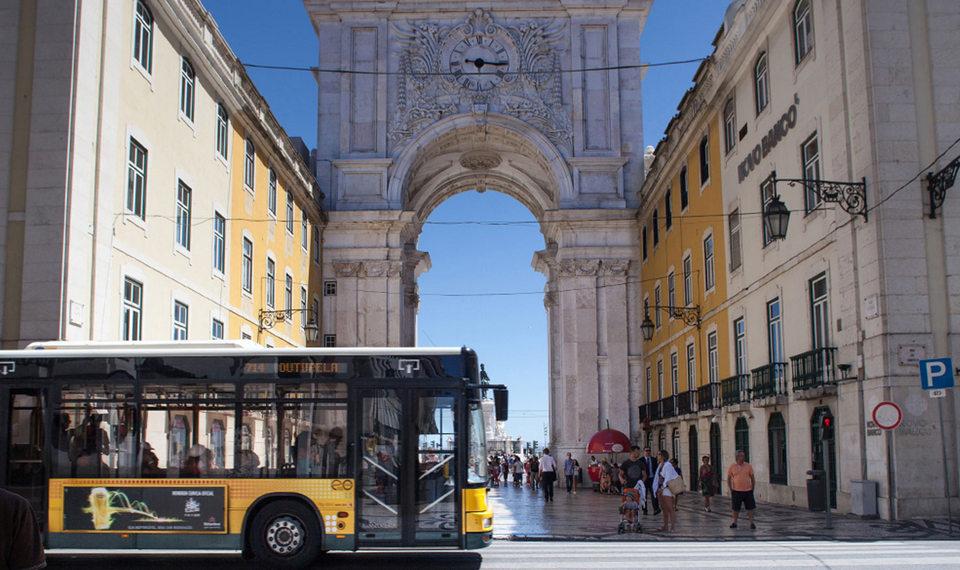 lisbon carris-transportes-publicos
