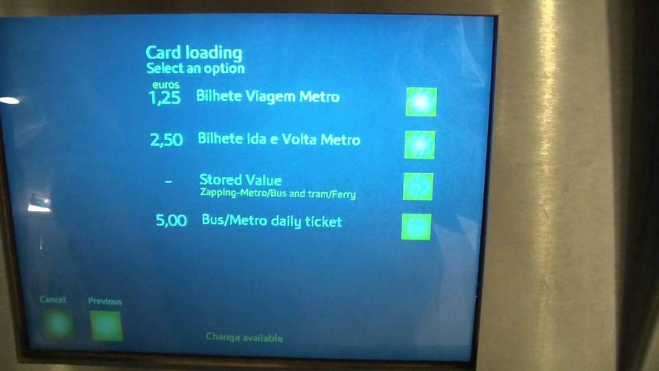 loading Viva Viagem Card Lisbon Metro Ticket