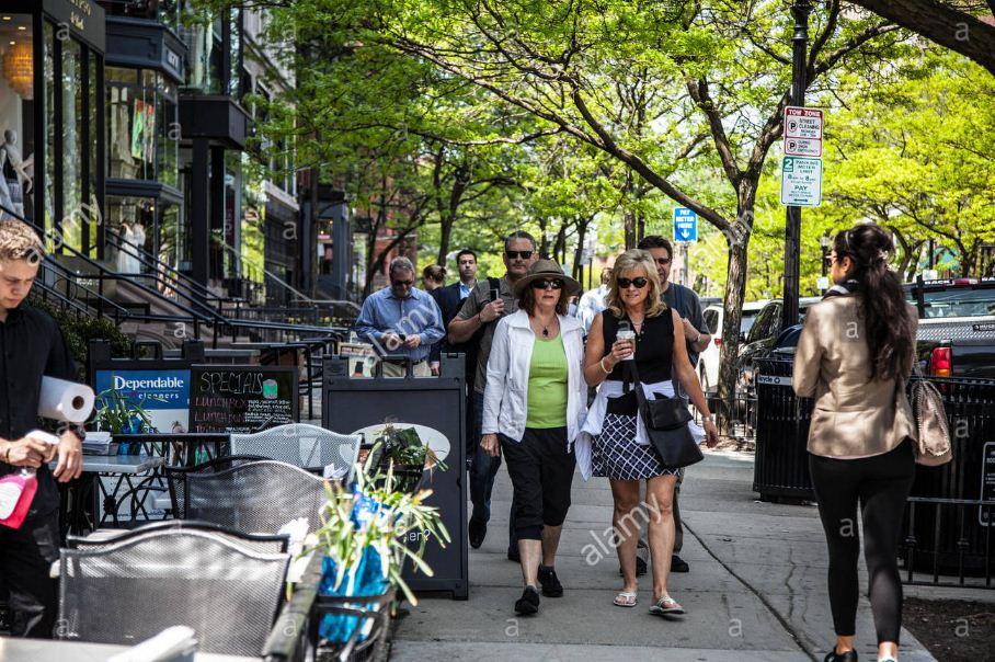 People walking at Newbury Street in Boston