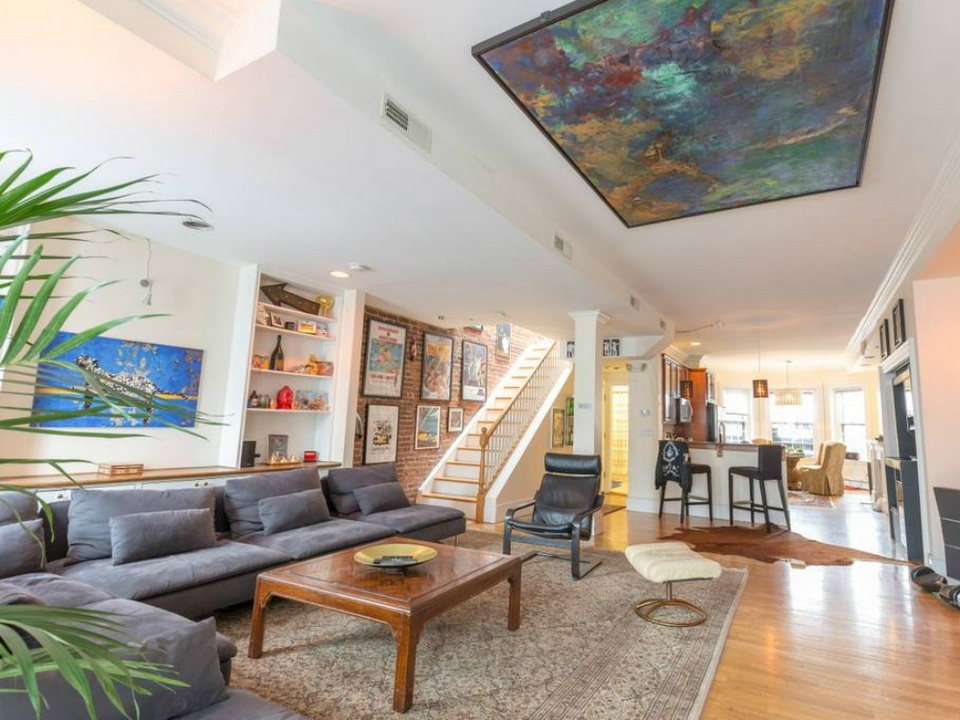 bb-artist-penthouse-boston-airbnb