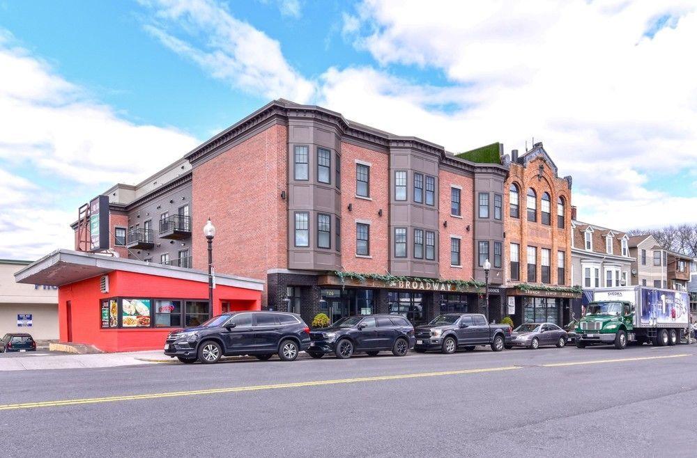 Bluebird Suites on L Street Boston
