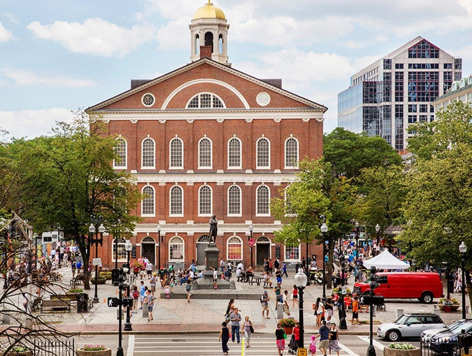 boston-massachusetts-faneuil-hall-marketplace-top