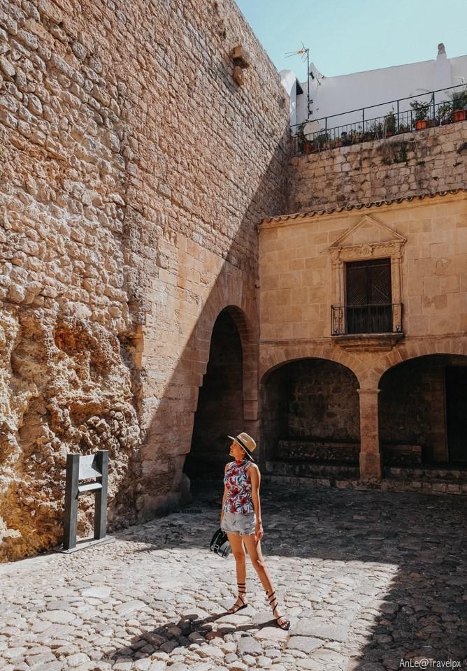 The walls in Dalt Vila