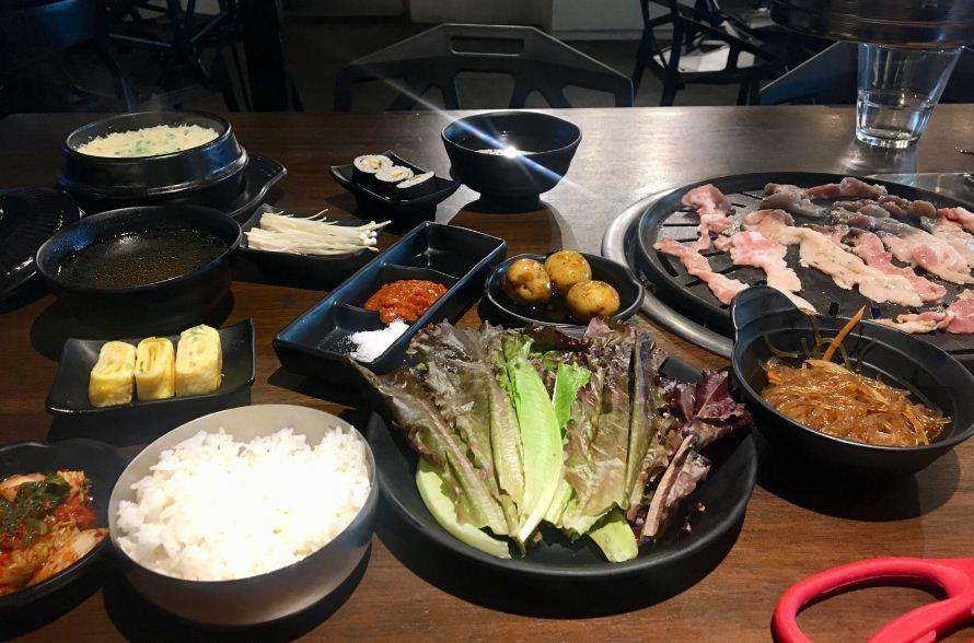 dinner at seoul station