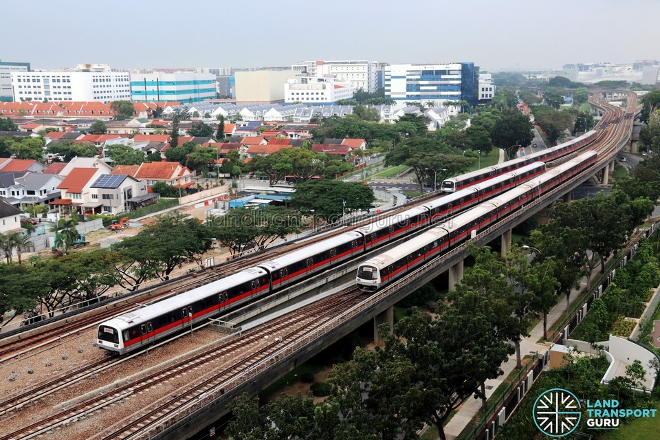 Tanah-Merah-trains-2 MRT Singapore for tourist, public transport in Singapore for tourists ,The cheapest & best way to get around Singapore