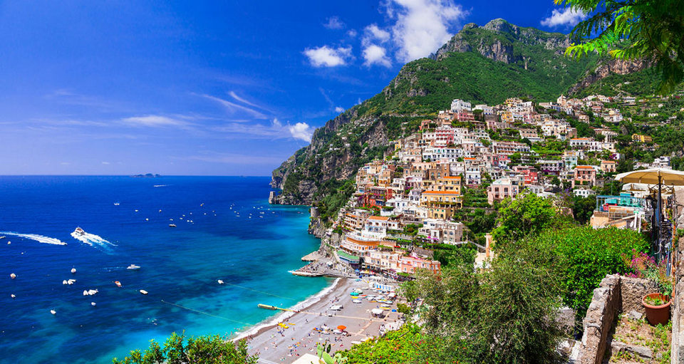 coast of positano in italy,positano tourist guide,positano travel blog,positano travel guide,positano blog,positano visitor guide