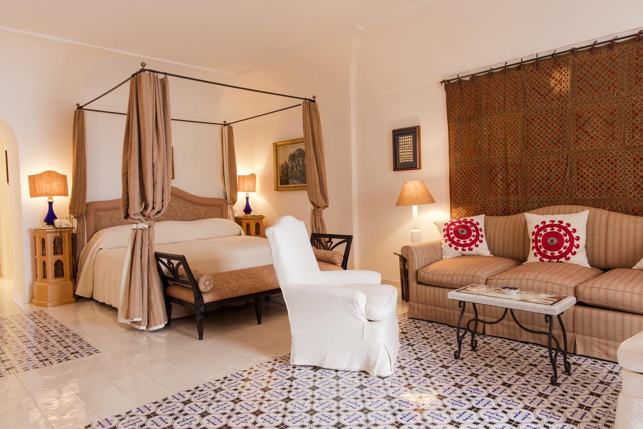 Le Sirenuse Hotel room